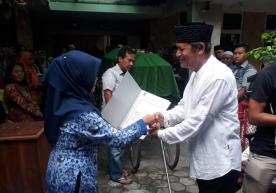 Penyerahan Akta Kematian a.n. DR.H.Moh Aliwafa