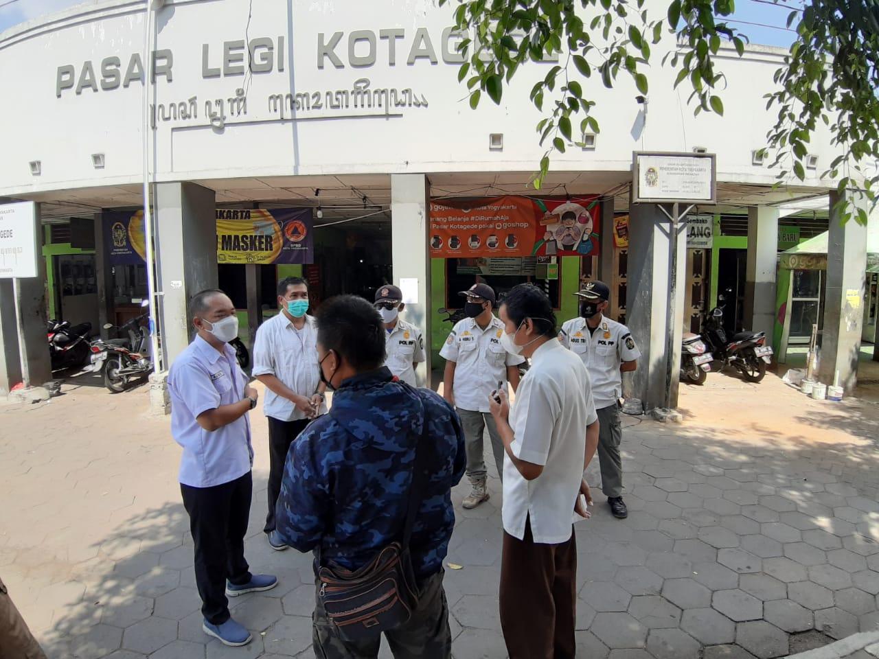 Penegakkan PPKM Darurat Kelurahan Prenggan