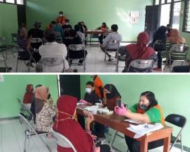 Penyaluran Bantuan Sosial Tunai dari Kemensos di Kelurahan Prenggan